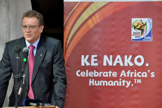 Jerome Valcke unveiling the plaque